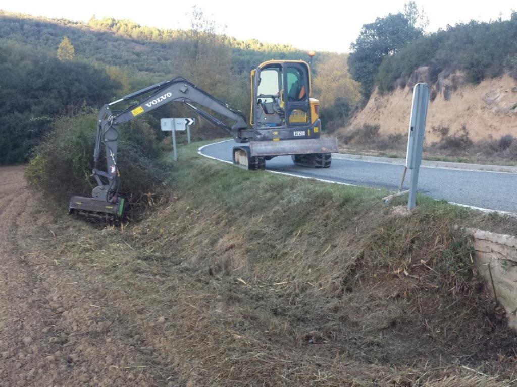 Trabajos de desbroce en carreteras