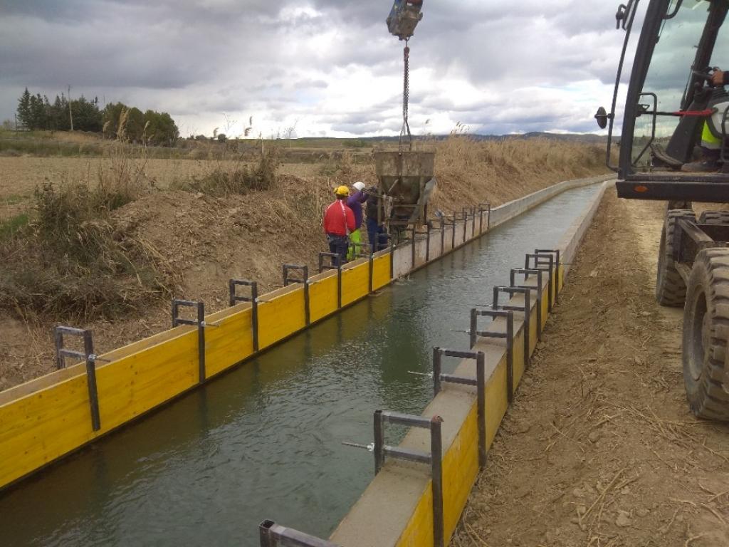 RECRECIDO DE CANAL DE RIEGO